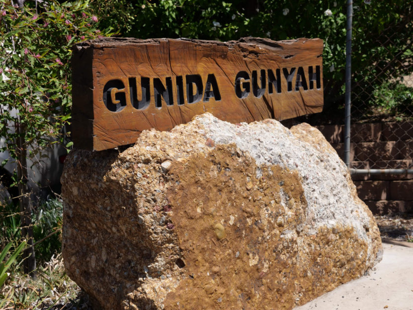 Gunida Gunyah Office